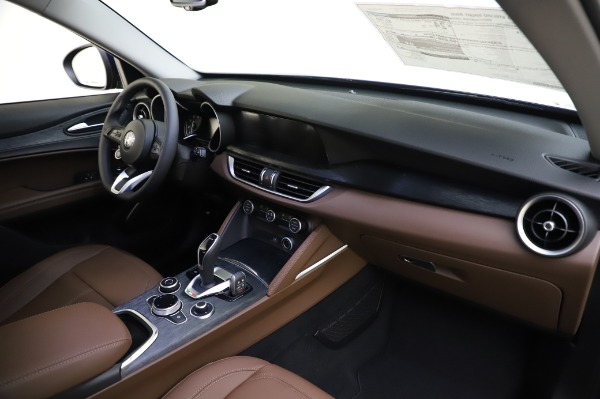 New 2020 Alfa Romeo Stelvio Sport Q4 for sale Sold at Maserati of Greenwich in Greenwich CT 06830 24