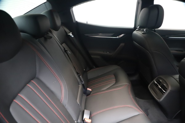 New 2020 Maserati Ghibli S Q4 for sale $87,285 at Maserati of Greenwich in Greenwich CT 06830 27