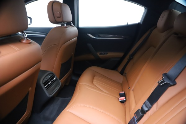 New 2020 Maserati Ghibli S Q4 for sale $87,285 at Maserati of Greenwich in Greenwich CT 06830 19