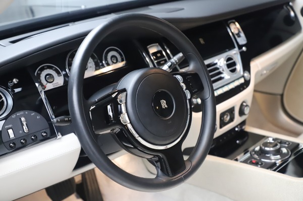 Used 2014 Rolls-Royce Wraith Base for sale $168,900 at Maserati of Greenwich in Greenwich CT 06830 16