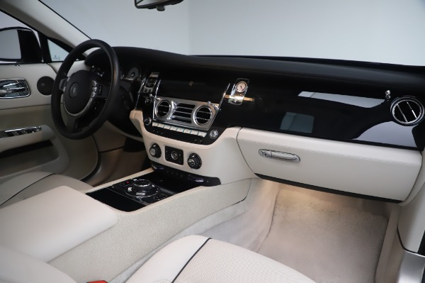 Used 2014 Rolls-Royce Wraith Base for sale $168,900 at Maserati of Greenwich in Greenwich CT 06830 21