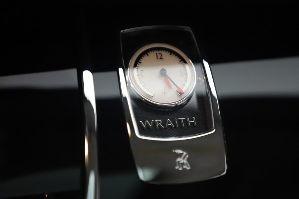 Used 2014 Rolls-Royce Wraith Base for sale $168,900 at Maserati of Greenwich in Greenwich CT 06830 25