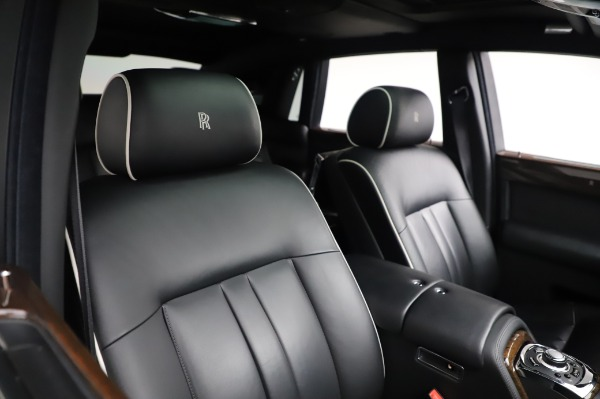 Used 2014 Rolls-Royce Phantom for sale $186,900 at Maserati of Greenwich in Greenwich CT 06830 13