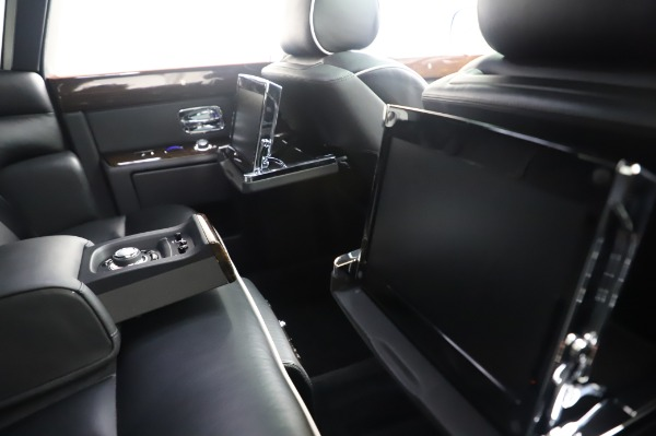 Used 2014 Rolls-Royce Phantom for sale $186,900 at Maserati of Greenwich in Greenwich CT 06830 18