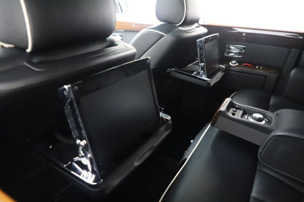 Used 2014 Rolls-Royce Phantom for sale $186,900 at Maserati of Greenwich in Greenwich CT 06830 19