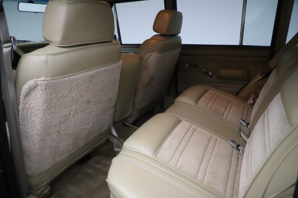 Used 1991 Jeep Grand Wagoneer for sale $89,900 at Maserati of Greenwich in Greenwich CT 06830 15