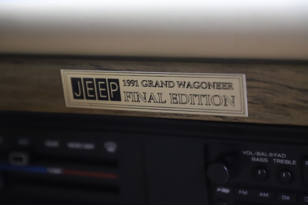 Used 1991 Jeep Grand Wagoneer for sale $89,900 at Maserati of Greenwich in Greenwich CT 06830 24