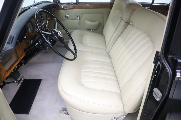 Used 1965 Rolls-Royce Silver Cloud III for sale $99,900 at Maserati of Greenwich in Greenwich CT 06830 16