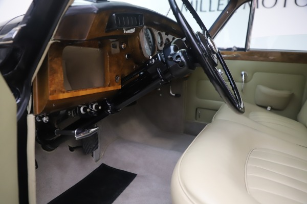 Used 1965 Rolls-Royce Silver Cloud III for sale $99,900 at Maserati of Greenwich in Greenwich CT 06830 18