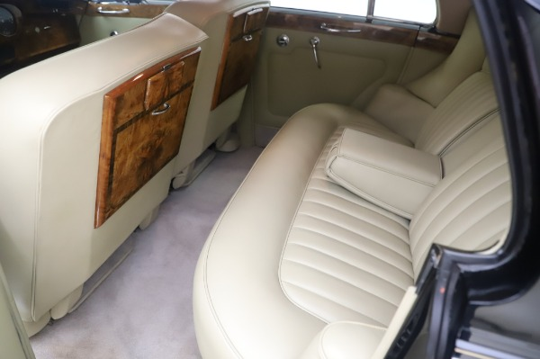 Used 1965 Rolls-Royce Silver Cloud III for sale $99,900 at Maserati of Greenwich in Greenwich CT 06830 19