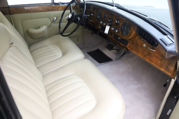 Used 1965 Rolls-Royce Silver Cloud III for sale $99,900 at Maserati of Greenwich in Greenwich CT 06830 23
