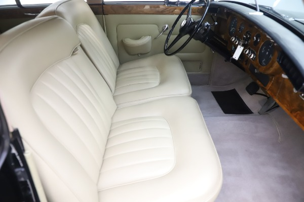 Used 1965 Rolls-Royce Silver Cloud III for sale $99,900 at Maserati of Greenwich in Greenwich CT 06830 24