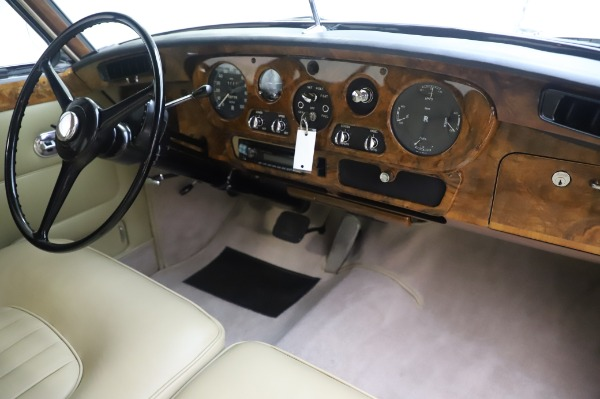 Used 1965 Rolls-Royce Silver Cloud III for sale $99,900 at Maserati of Greenwich in Greenwich CT 06830 25