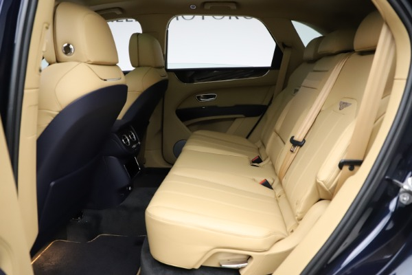 New 2021 Bentley Bentayga V8 for sale Sold at Maserati of Greenwich in Greenwich CT 06830 21