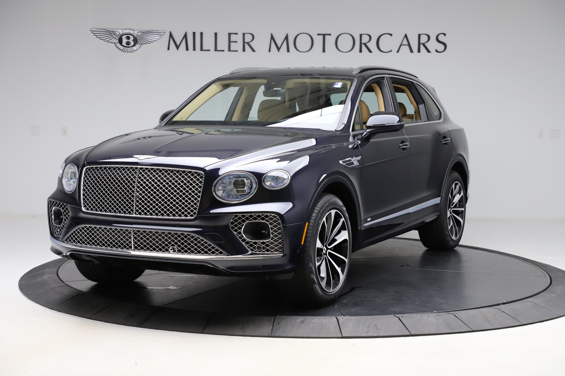New 2021 Bentley Bentayga V8 for sale $209,755 at Maserati of Greenwich in Greenwich CT 06830 1
