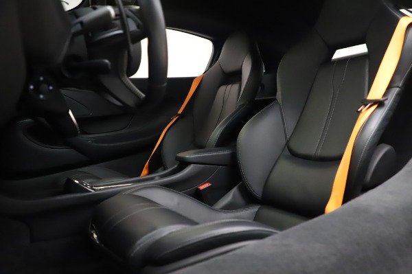 Used 2017 McLaren 570S Coupe for sale $149,900 at Maserati of Greenwich in Greenwich CT 06830 18
