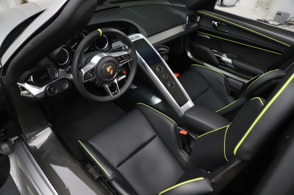 Used 2015 Porsche 918 Spyder for sale $1,389,900 at Maserati of Greenwich in Greenwich CT 06830 22