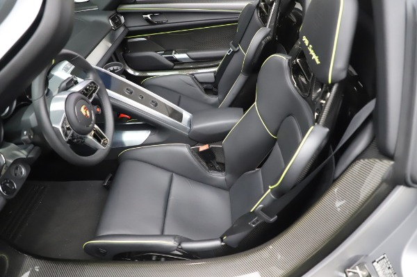 Used 2015 Porsche 918 Spyder for sale $1,389,900 at Maserati of Greenwich in Greenwich CT 06830 23
