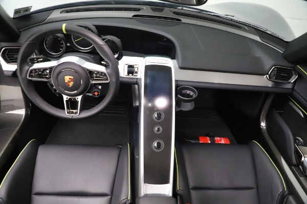 Used 2015 Porsche 918 Spyder for sale $1,389,900 at Maserati of Greenwich in Greenwich CT 06830 26