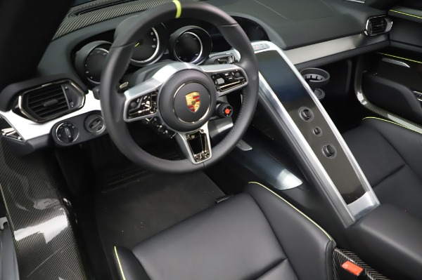Used 2015 Porsche 918 Spyder for sale $1,389,900 at Maserati of Greenwich in Greenwich CT 06830 27
