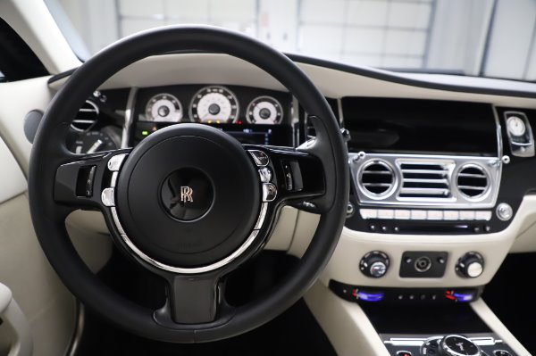 Used 2015 Rolls-Royce Wraith Base for sale $168,900 at Maserati of Greenwich in Greenwich CT 06830 18