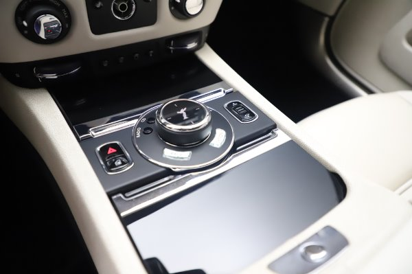 Used 2015 Rolls-Royce Wraith Base for sale $168,900 at Maserati of Greenwich in Greenwich CT 06830 19