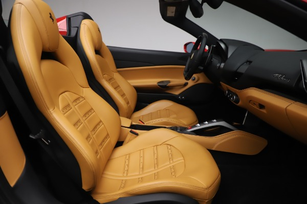 Used 2018 Ferrari 488 Spider Base for sale $289,900 at Maserati of Greenwich in Greenwich CT 06830 24