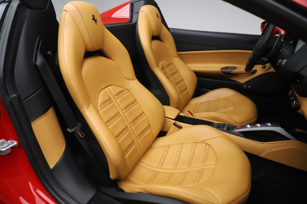 Used 2018 Ferrari 488 Spider Base for sale $289,900 at Maserati of Greenwich in Greenwich CT 06830 25