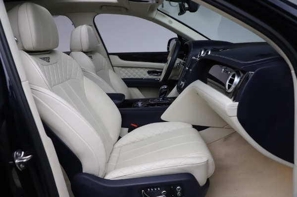 Used 2017 Bentley Bentayga W12 for sale $133,900 at Maserati of Greenwich in Greenwich CT 06830 26