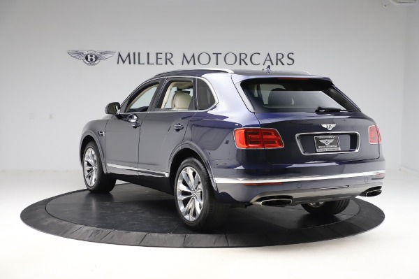 Used 2017 Bentley Bentayga W12 for sale $133,900 at Maserati of Greenwich in Greenwich CT 06830 5