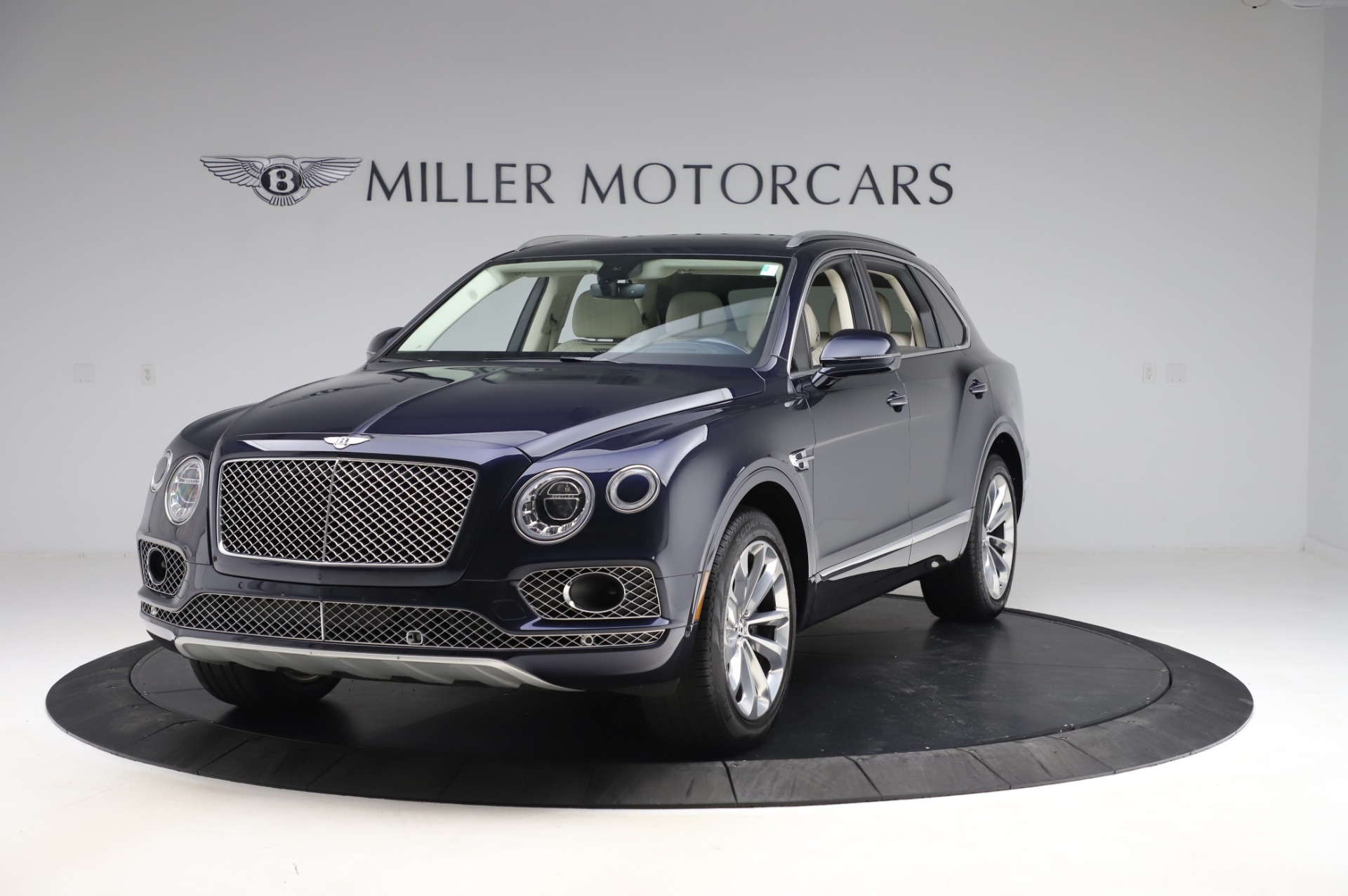Used 2017 Bentley Bentayga W12 for sale $133,900 at Maserati of Greenwich in Greenwich CT 06830 1