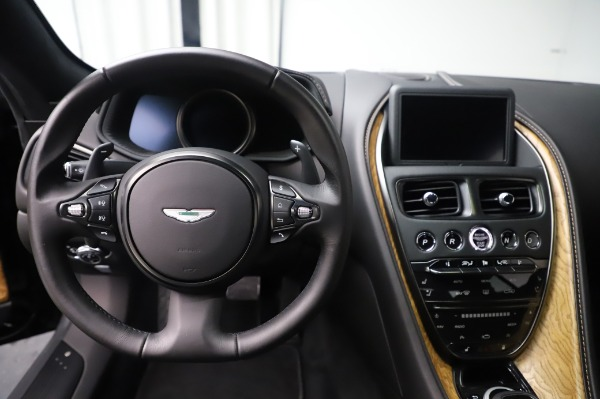 Used 2017 Aston Martin DB11 V12 Coupe for sale $149,900 at Maserati of Greenwich in Greenwich CT 06830 19