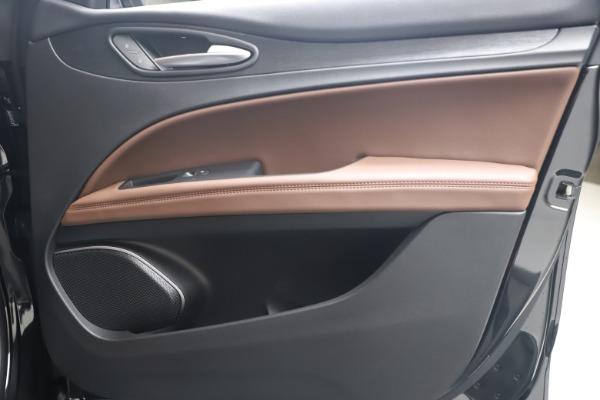 New 2020 Alfa Romeo Stelvio Q4 for sale $49,045 at Maserati of Greenwich in Greenwich CT 06830 24