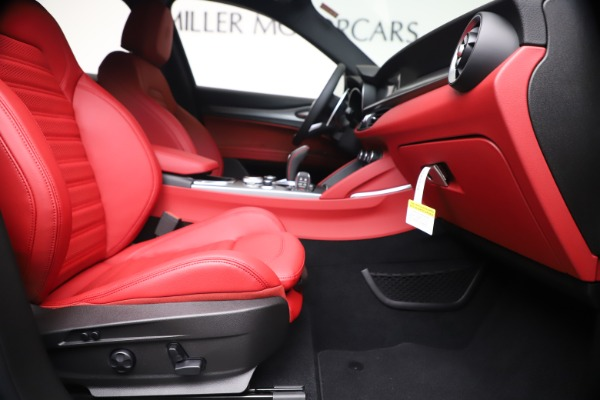 New 2020 Alfa Romeo Stelvio Ti Sport Q4 for sale $53,545 at Maserati of Greenwich in Greenwich CT 06830 23