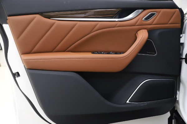 New 2020 Maserati Levante Q4 GranLusso for sale $87,449 at Maserati of Greenwich in Greenwich CT 06830 17