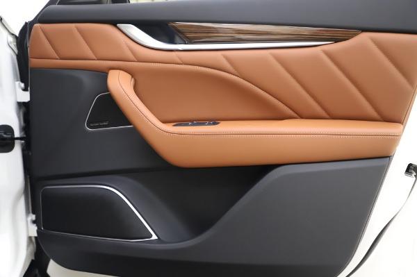 New 2020 Maserati Levante Q4 GranLusso for sale $87,449 at Maserati of Greenwich in Greenwich CT 06830 26