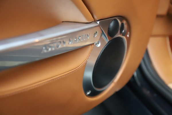 Used 2003 Aston Martin V12 Vanquish Coupe for sale $79,900 at Maserati of Greenwich in Greenwich CT 06830 18