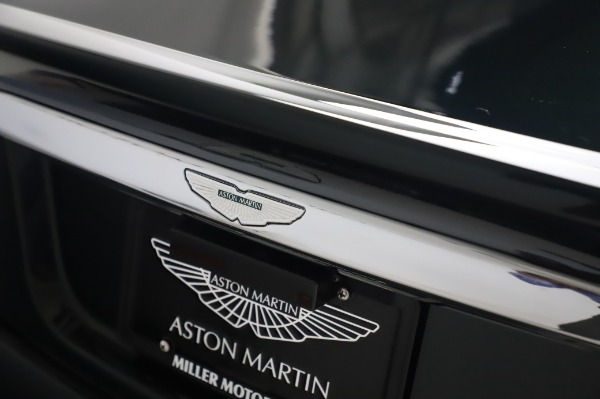 Used 2003 Aston Martin V12 Vanquish Coupe for sale $79,900 at Maserati of Greenwich in Greenwich CT 06830 26