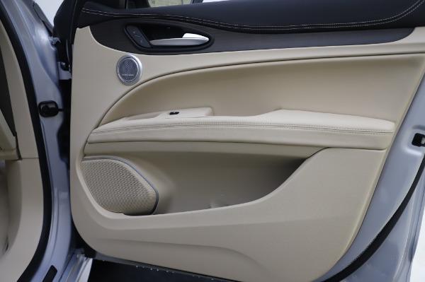 New 2020 Alfa Romeo Stelvio Ti Lusso Q4 for sale $55,045 at Maserati of Greenwich in Greenwich CT 06830 27