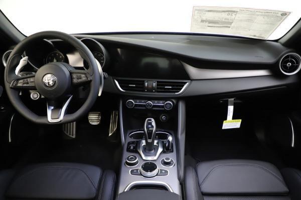 New 2020 Alfa Romeo Giulia Ti Sport Q4 for sale $47,995 at Maserati of Greenwich in Greenwich CT 06830 17