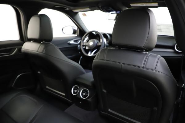 New 2020 Alfa Romeo Giulia Ti Sport Q4 for sale $47,995 at Maserati of Greenwich in Greenwich CT 06830 27