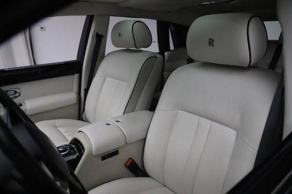 Used 2014 Rolls-Royce Phantom for sale Sold at Maserati of Greenwich in Greenwich CT 06830 16