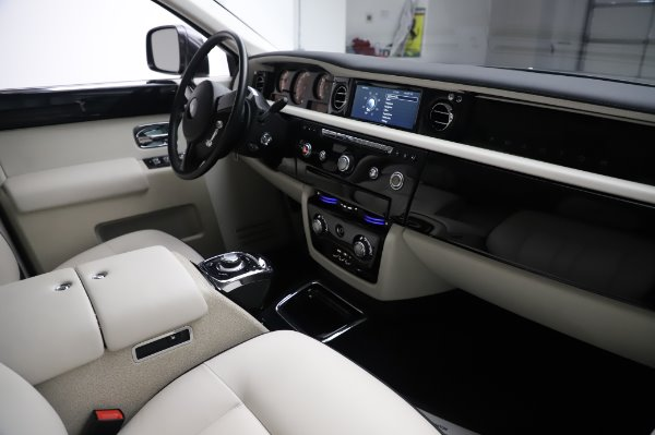 Used 2014 Rolls-Royce Phantom for sale Sold at Maserati of Greenwich in Greenwich CT 06830 19