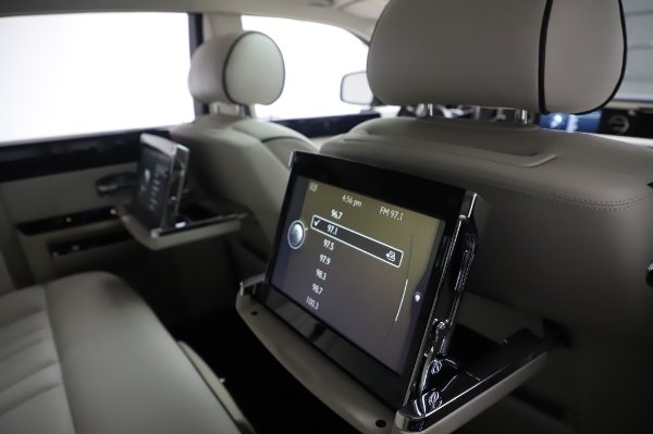 Used 2014 Rolls-Royce Phantom for sale Sold at Maserati of Greenwich in Greenwich CT 06830 22