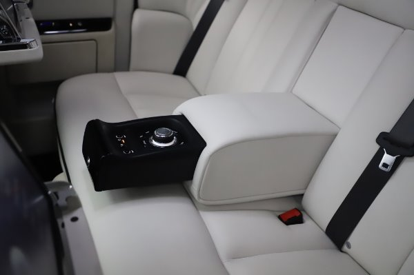 Used 2014 Rolls-Royce Phantom for sale Sold at Maserati of Greenwich in Greenwich CT 06830 26