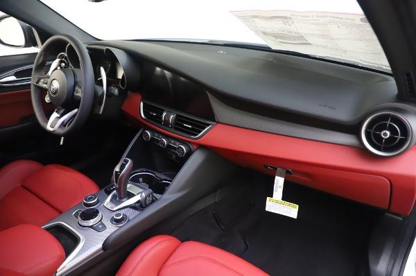 New 2020 Alfa Romeo Giulia Ti Sport Q4 for sale $46,495 at Maserati of Greenwich in Greenwich CT 06830 24