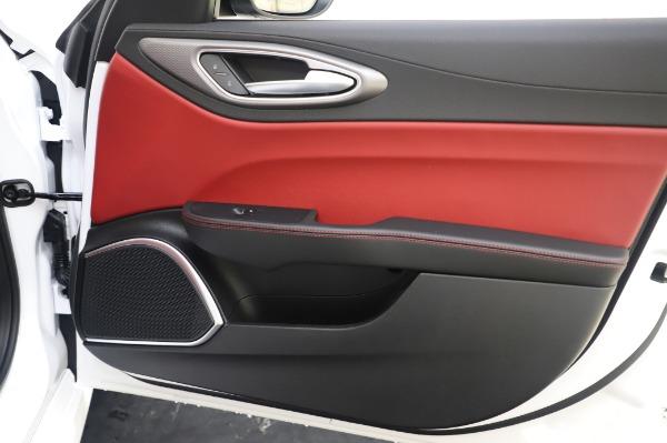 New 2020 Alfa Romeo Giulia Ti Sport Q4 for sale $46,495 at Maserati of Greenwich in Greenwich CT 06830 25