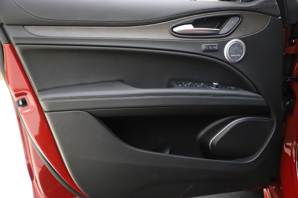 New 2020 Alfa Romeo Stelvio Ti Lusso Q4 for sale $56,495 at Maserati of Greenwich in Greenwich CT 06830 19