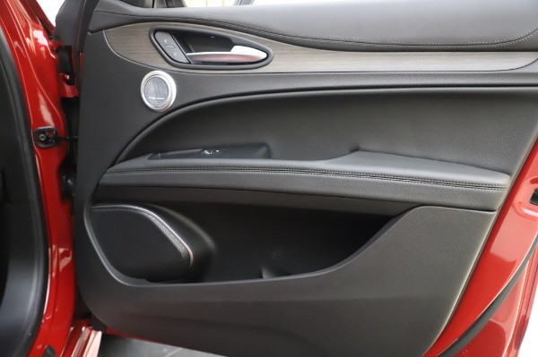 New 2020 Alfa Romeo Stelvio Ti Lusso Q4 for sale $56,495 at Maserati of Greenwich in Greenwich CT 06830 27