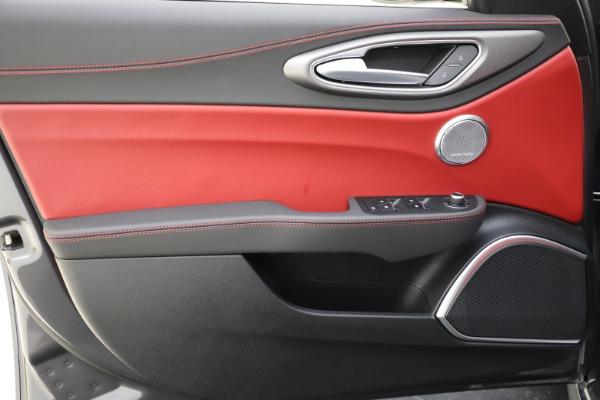 New 2020 Alfa Romeo Giulia Ti Sport Q4 for sale $48,595 at Maserati of Greenwich in Greenwich CT 06830 17